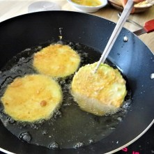 Frittierte Zucchini mit Gorgonzolasauce (15)