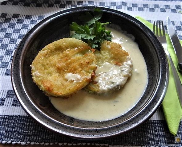 Frittierte Zucchini mit Gorgonzolasauce (2)