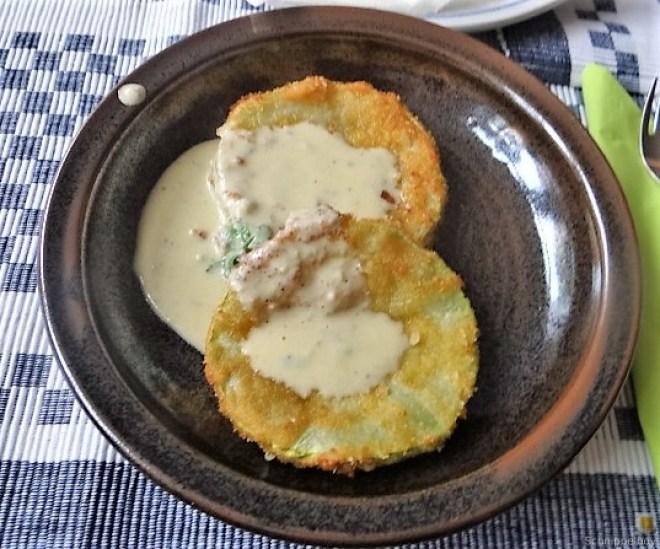 Frittierte Zucchini mit Gorgonzolasauce (27)