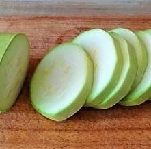 Frittierte Zucchini mit Gorgonzolasauce (8)