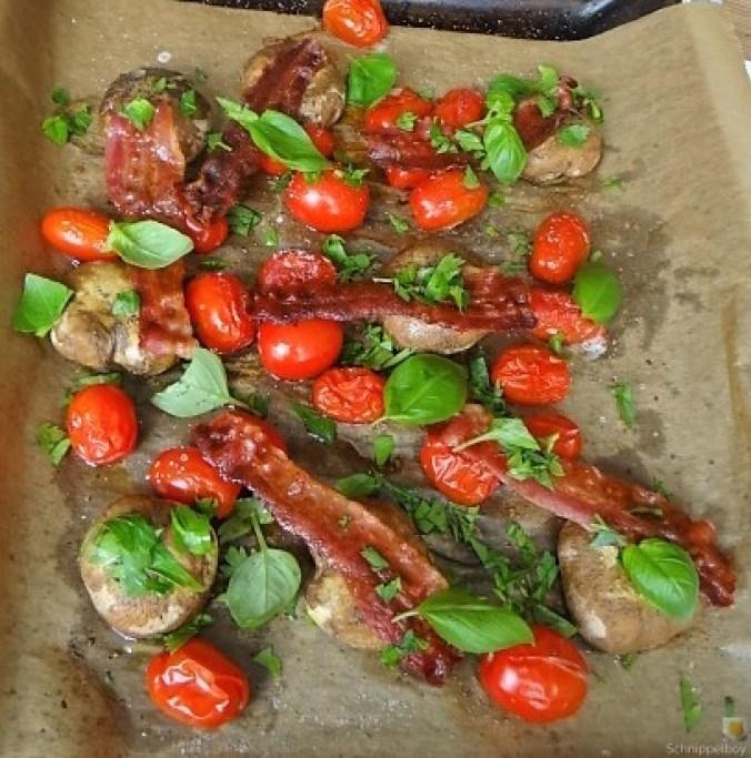 Gegrillte Champignon,Krosser Bacon,Coctailtomaten (3)