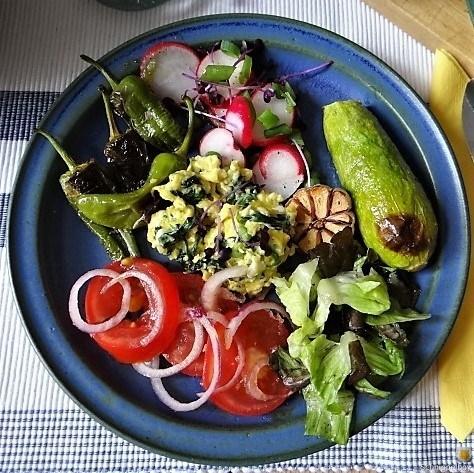 GemüseSalat-und-Ei-2.jpg