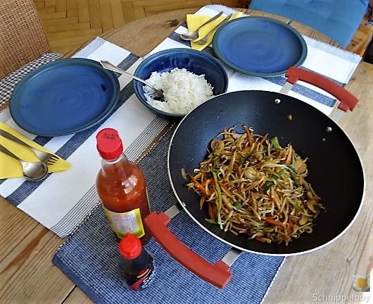 Mungbohnenkeimlinge mit Gemüse,Reis (4)