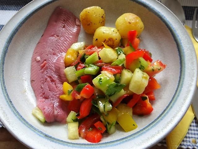 Salat(orientalisch), kleine Kartoffeln, Matjesfilet (10)