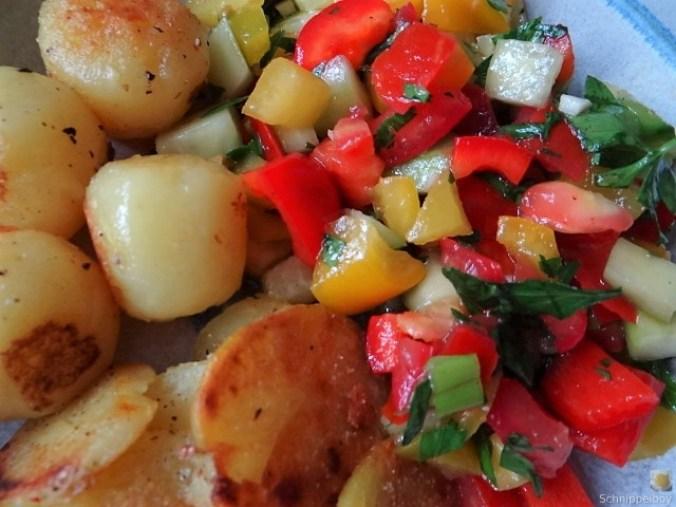 Salat(orientalisch), kleine Kartoffeln, Matjesfilet (3)
