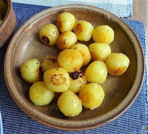 Salat(orientalisch), kleine Kartoffeln, Matjesfilet (8)