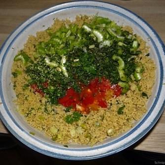 Wokgemüse, Tabouleh, Hummus, Spillinge (10)