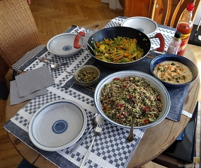 Wokgemüse, Tabouleh, Hummus, Spillinge (4)