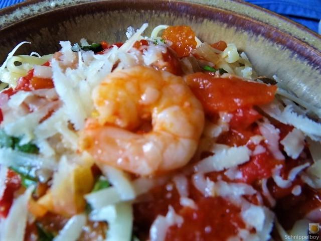 Nudeln mit Tomatensauce (5)