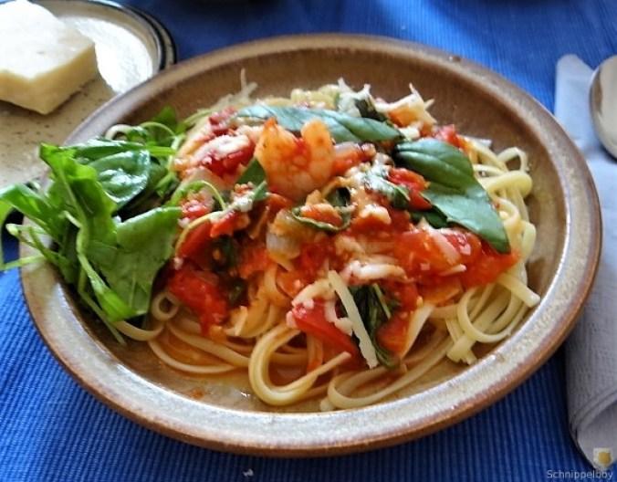 Nudeln mit Tomatensauce (6)