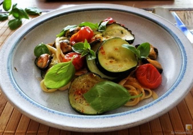 Linguine,geschmorte Tomaten,Miesmuscheln (19)