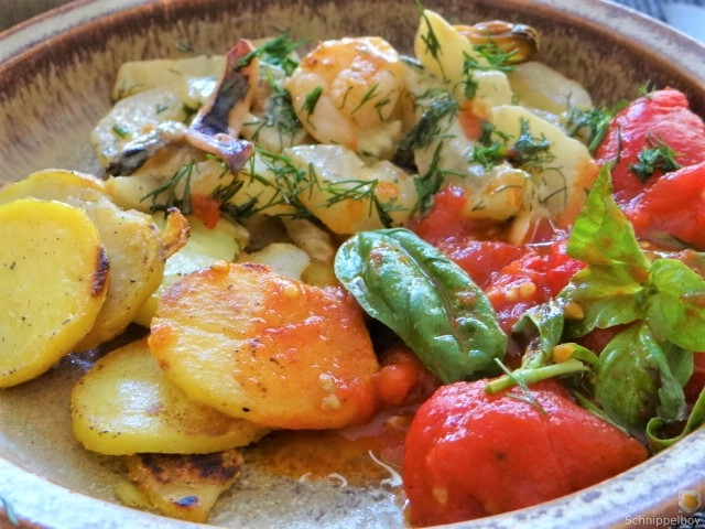 Schmorgurke, Tomatenragout, Meeresfrüchte (3)