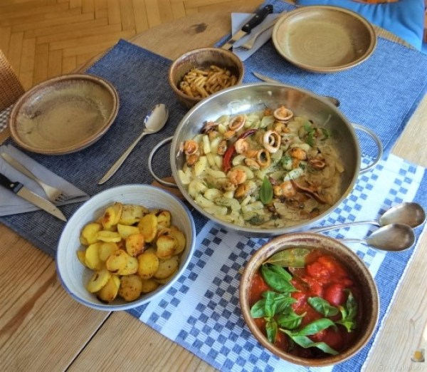 Schmorgurke, Tomatenragout, Meeresfrüchte (4)