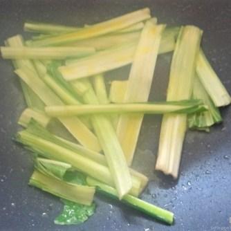 Zucchini,Mangold und Reste vom Vortag (7)
