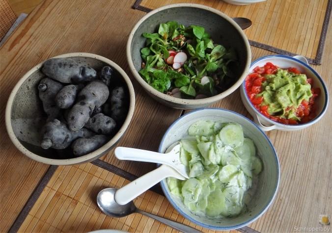 Lila-KartoffelGuacamoleSalate-2