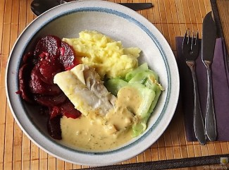 Kabeljau, Zitrus Senfsauce. Kartoffelstampf, Salate (20)