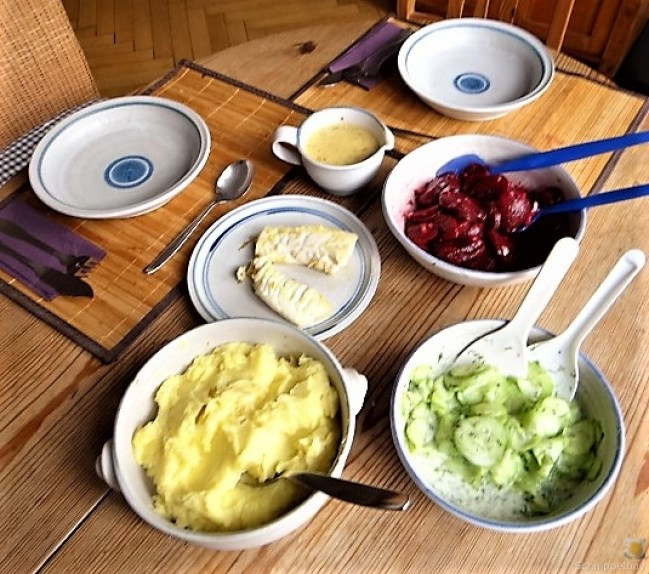 Kabeljau, Zitrus Senfsauce. Kartoffelstampf, Salate (6)