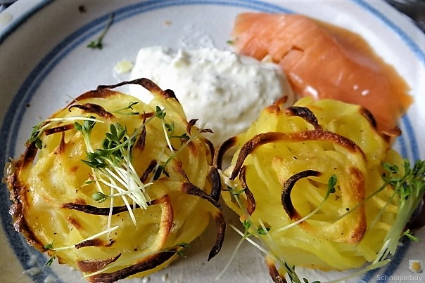 Kartoffelküchlein, Lachs, Meerrettichdip (4)