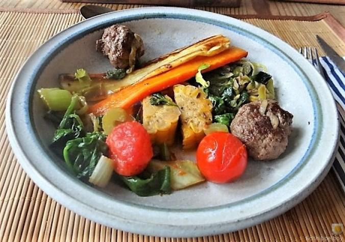 Gemüse und Hackbällchen orientalisch (22)