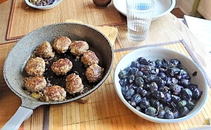 Lila Kohlröschen,Frikadellen, Kartoffeln (15)