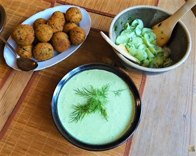 Falafel, Fetacreme, Gurkensalat, (6)