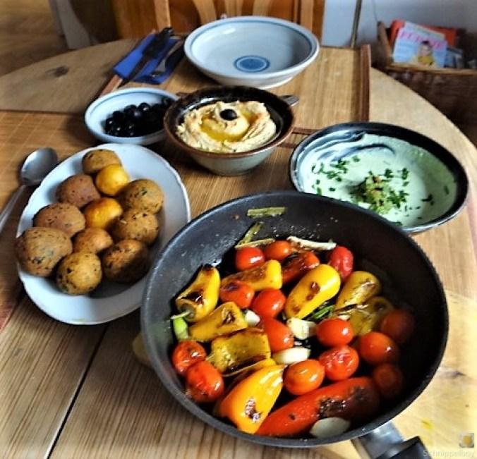 Falafel, Hummus, Gemüse, (21)