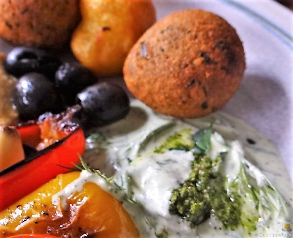 Falafel, Hummus, Gemüse, (4)