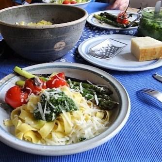 Bandnudeln,grüner Spargel, Tomaten und Bärlauchpesto (13)
