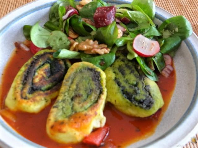 Kartoffel-Bärlauch Schnecken mit Tomatensauce (3)