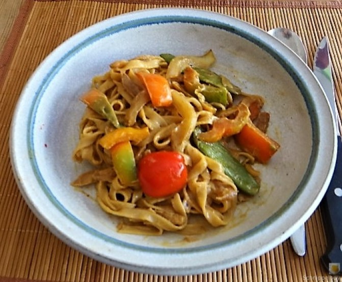 Wokgemüse mit Reisnudeln (25)
