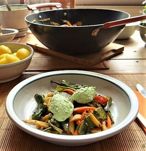 Wokgemüse und Erbs-Ricotta Creme (3)