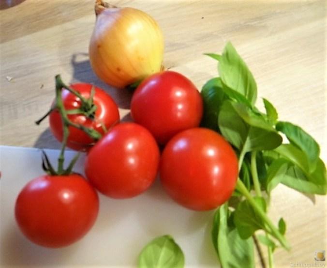Zucchini-Auberginen Röllchen mit Couscous (20)