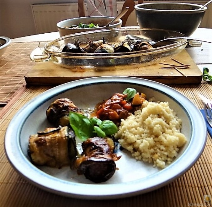 Zucchini-Auberginen Röllchen mit Couscous (4)