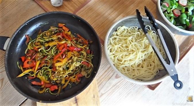 Zucchini Zoodles, Spaghetti, Felfsalat (6)