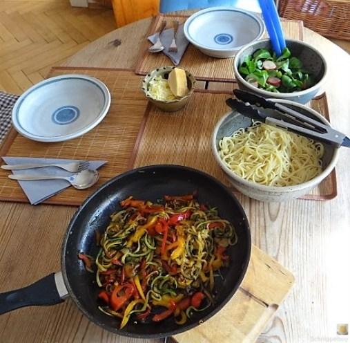 Zucchini Zoodles, Spaghetti, Felfsalat (7)