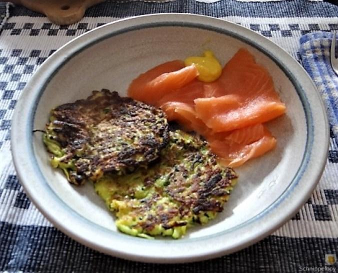 Zucchinipuffer,geräucherter Lachs (19)