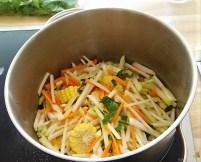 Gemüsesuppe mit Glasnudeln (17)