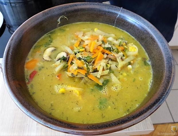 Gemüsesuppe mit Glasnudeln (21)