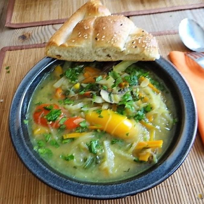 Gemüsesuppe mit Glasnudeln (4)