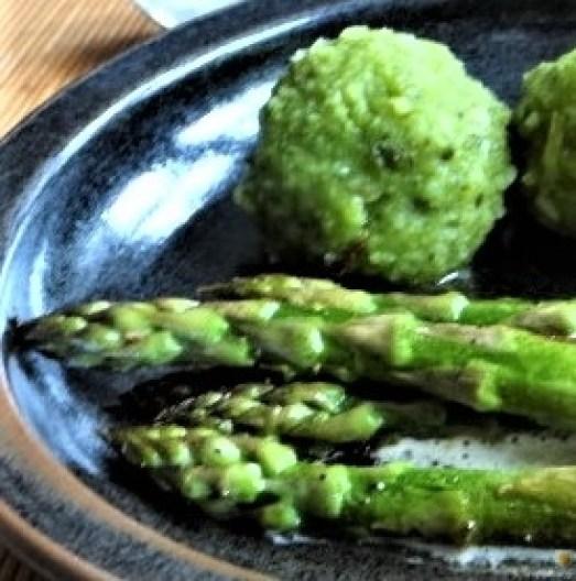 Grüne Klöße, Grüner Spargel, Zitronensauce (24)
