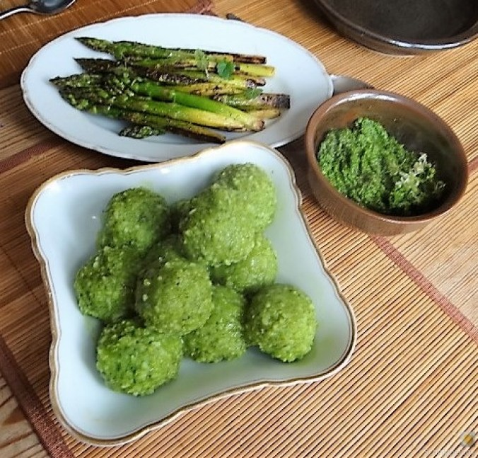 Grüne Klöße, Grüner Spargel, Zitronensauce (5)