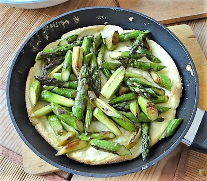 Omlette,Spargel, Salat (16)
