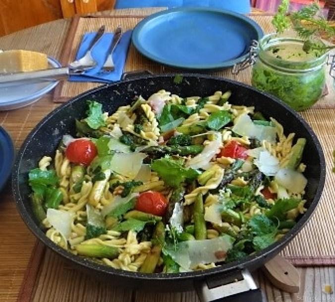 Spirelli,Spargel und Tomaten (27)