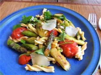 Spirelli,Spargel und Tomaten (31)