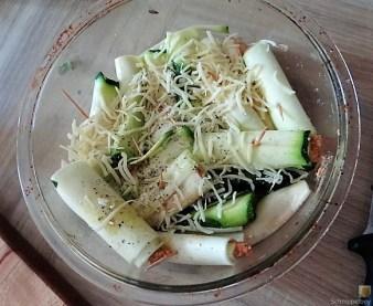 Zucchini und Kartoffelröllchen mit Fetacreme (15)