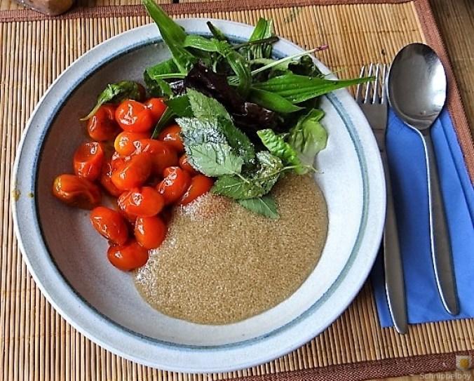 Amaranth, Wildkräutersalat und Tomaten (1)