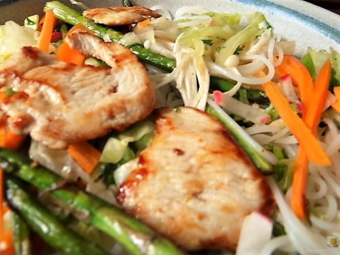 Glasnudeln, Gemüse und Putenfleisch (5)