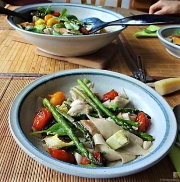Grüner Spargel, Forelle, Tomaten auf Buchweizenpasta (17)