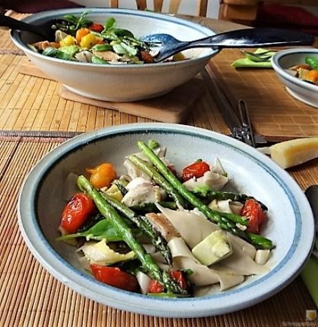 Grüner Spargel, Forelle, Tomaten auf Buchweizenpasta (6)