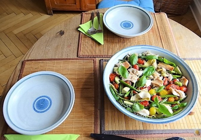 Grüner Spargel, Forelle, Tomaten auf Buchweizenpasta (7)